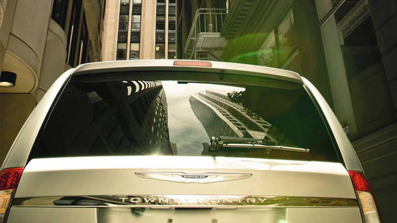 Chrysler to revolutionize minivan market with plug in for Bosak motors merrillville in