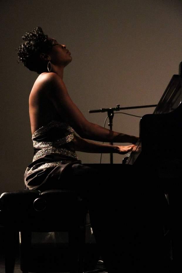 Jade Simmons at the piano