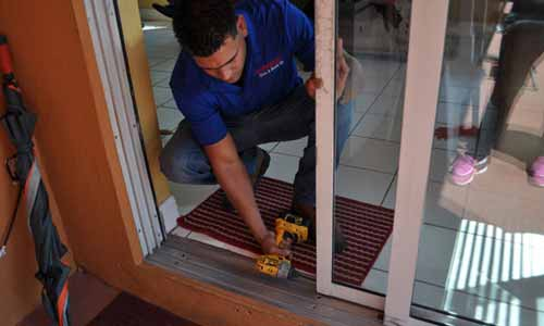 Miamis Sliding Glass Door Repair And Replace Leader Express Glass