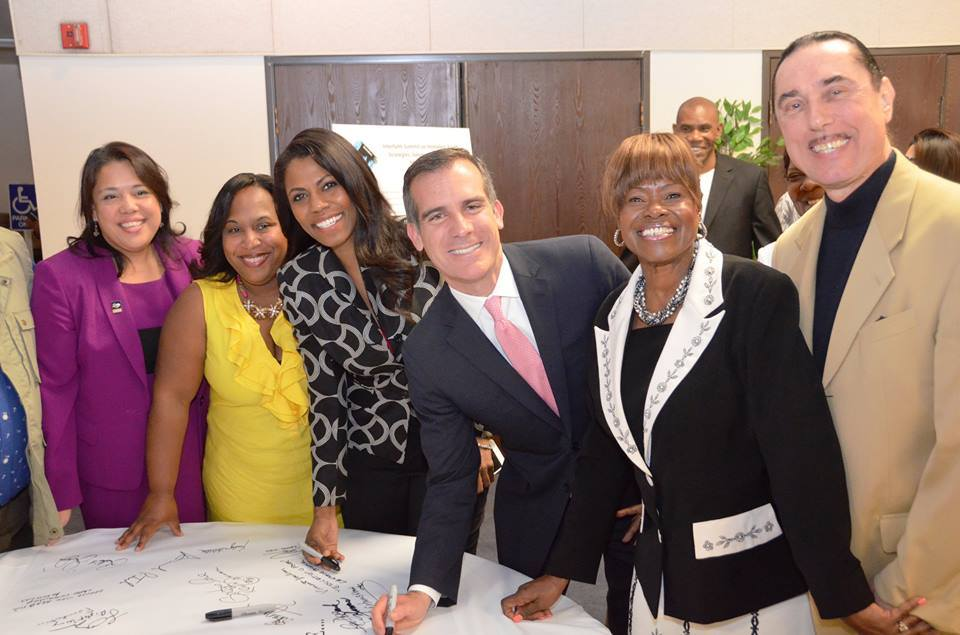 Los Angeles Mayor Garcetti and community sign covenant to end youth homelessness