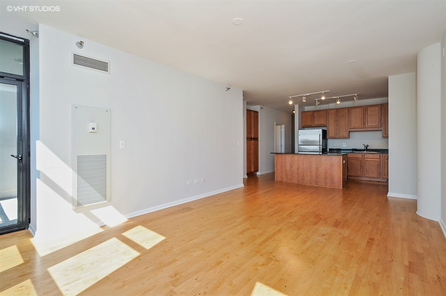 amazing bedroom hardwood floors | 1-Bedroom + Den In Amazing South Loop Location -- Related ...