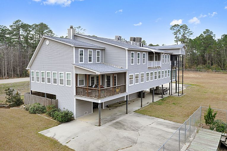 Ms gulf coast real estate team sells 6 000 square foot for 6000 sq ft home