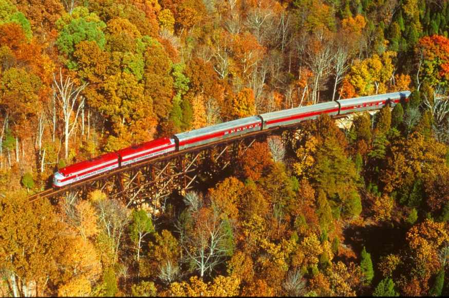 See beautiful fall color on My Old Kentucky Dinner Train excursions.