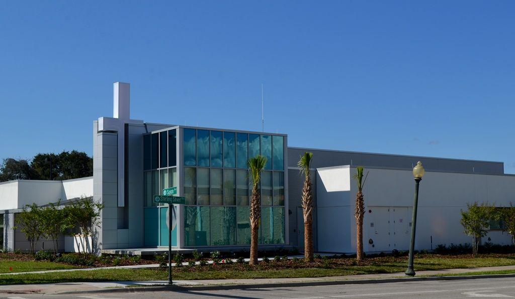 Hundreds join florida hospital fish memorial for the for Fish memorial hospital