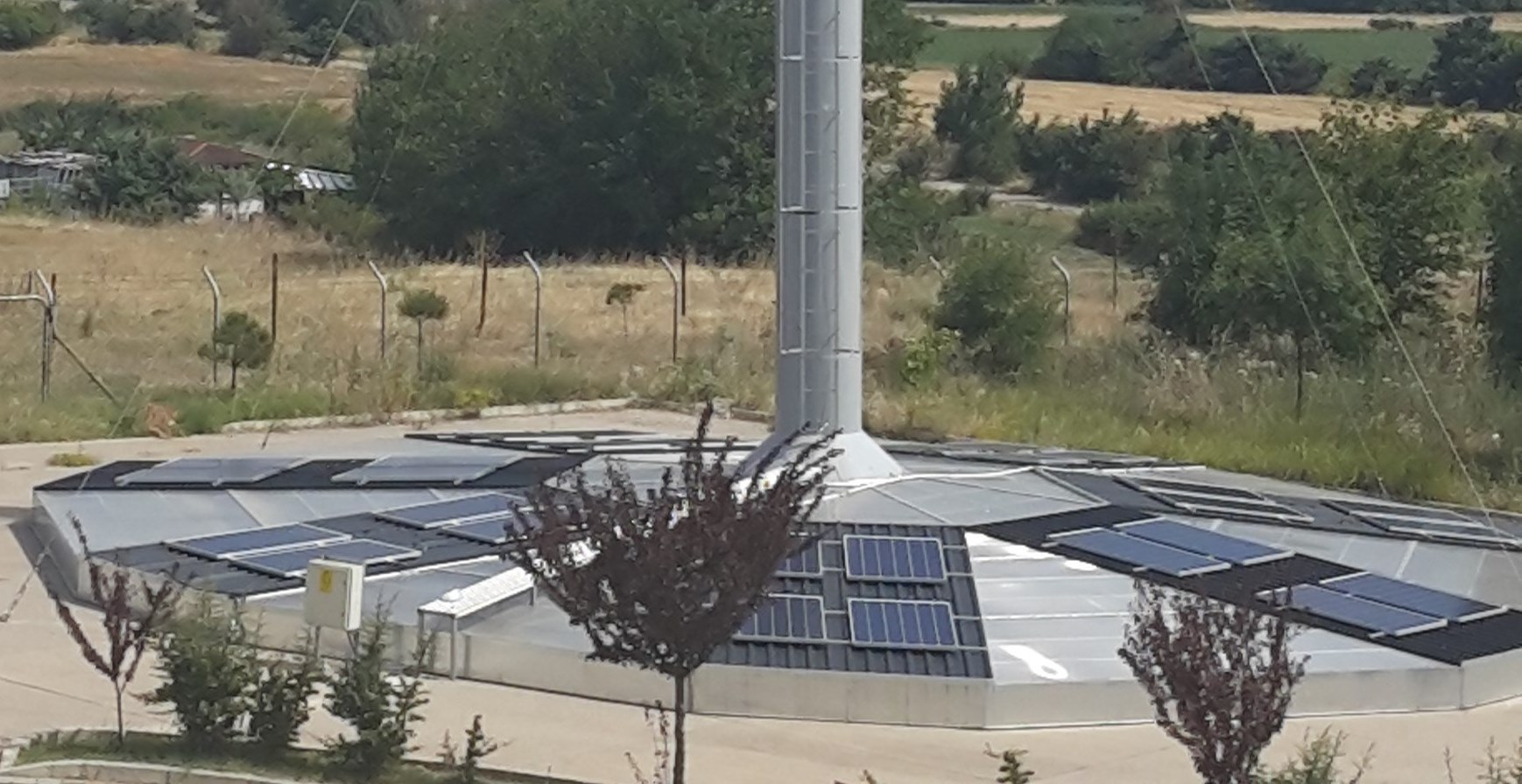 system solar power tower increases pv efficiency and utilizes the pv heat