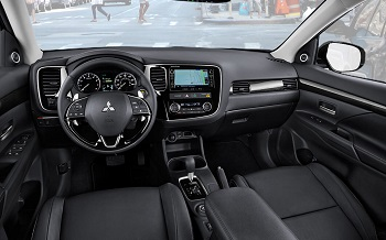 2016 Mitsubishi Outlander Front Interior