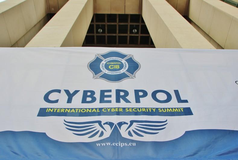 cyberpol01
