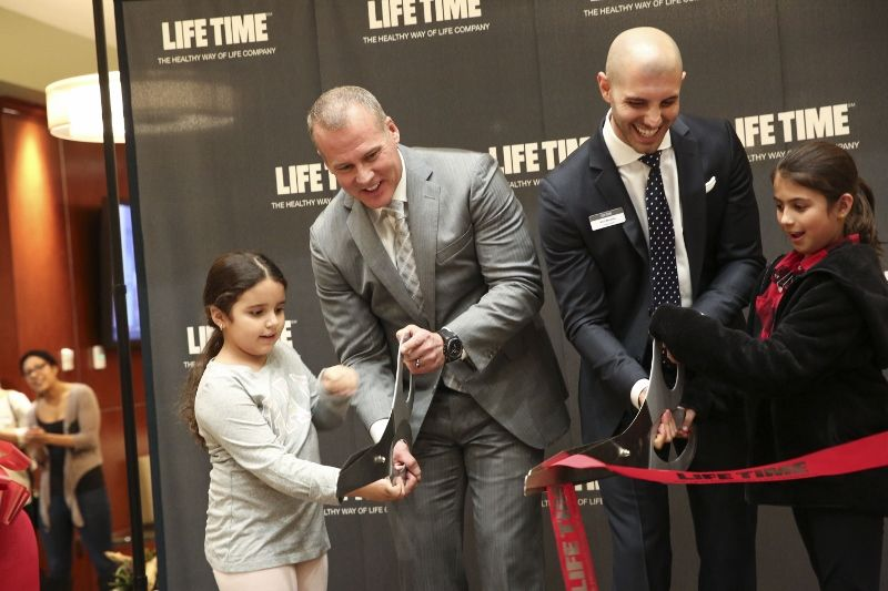 Life Time Ribbon Cutting (800x533)