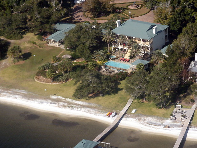 Waterfront-Luxury-Home_Auction