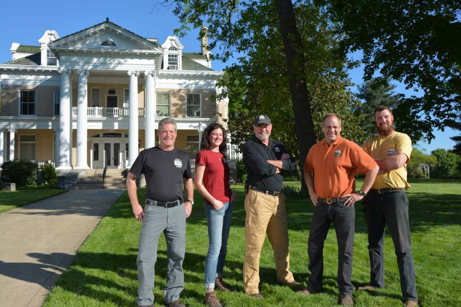 The Salvage Dawgs Return to the DIY Network for a 5th Season
