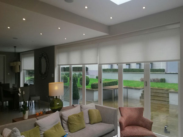 electrically operated bifold door blinds