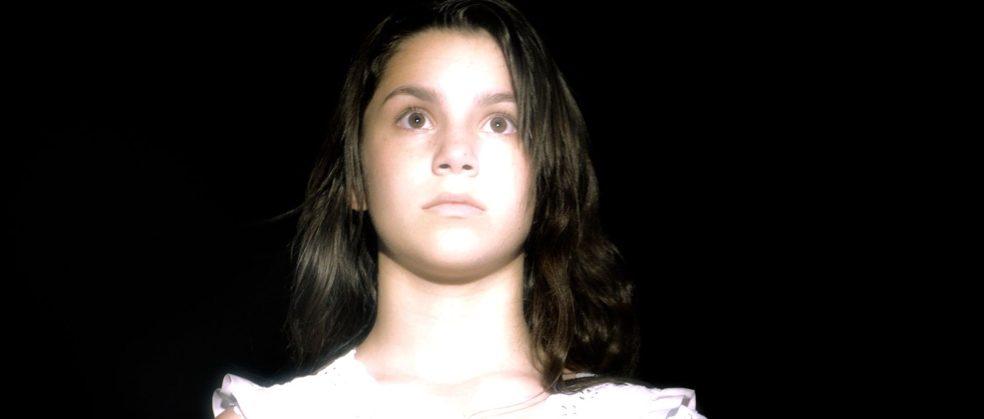 Mira (Paeka Campos) enters her own dream.