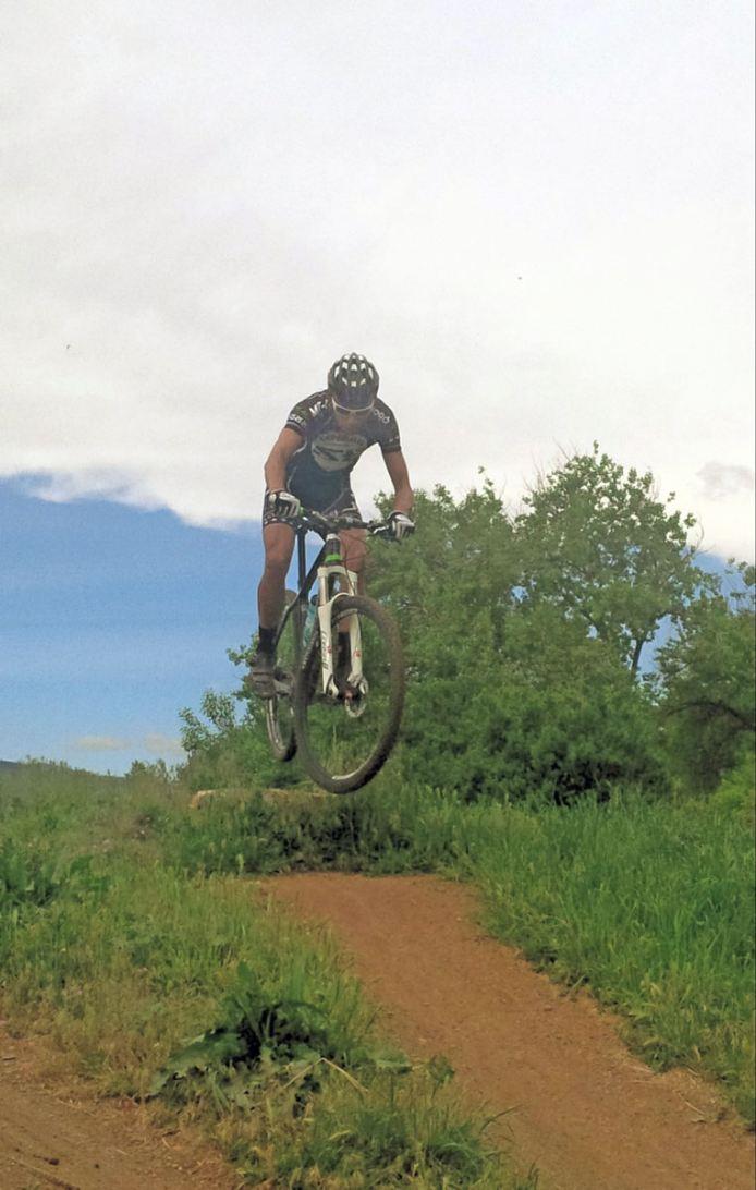 Stradalli_Cycle_Cesar_Grajales_MTB