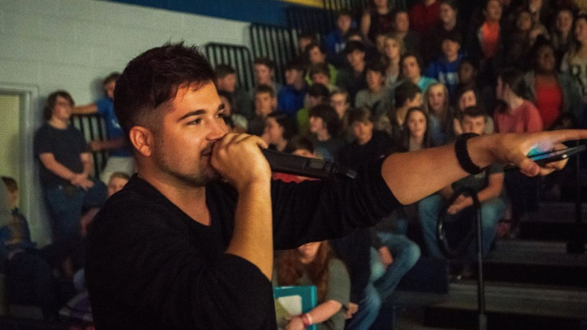 ANT Founder Dillon Smith Talks to Students During a Performance in Nashville.