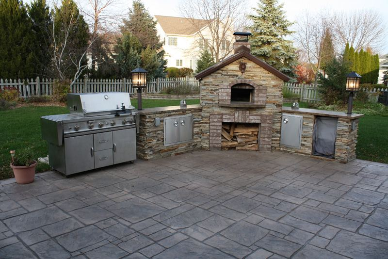 Creating the perfect concrete outdoor kitchen mchugh 39 s for Perfect outdoor kitchen