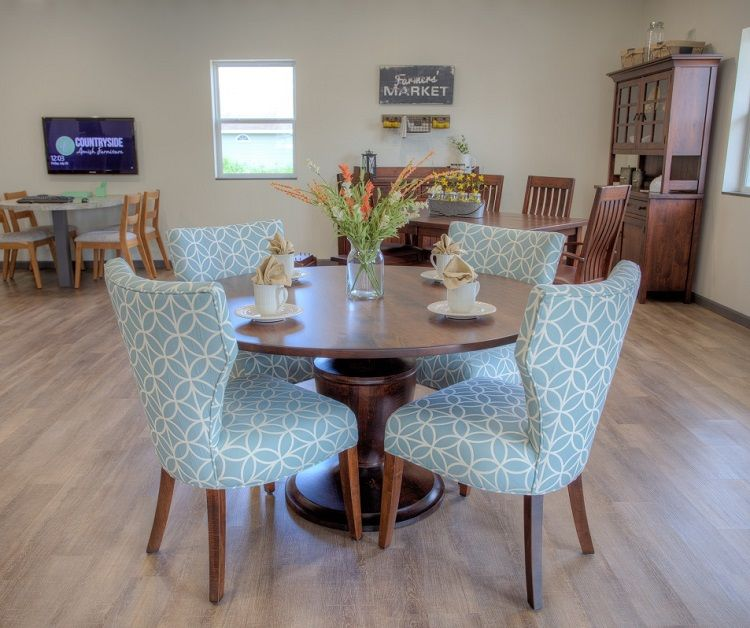 Reston Trail Dining Set Pictured In Countryside S Design Center