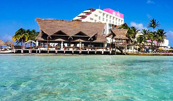 M 237 A Reef Isla Mujeres A Spotless Brand New Paradise