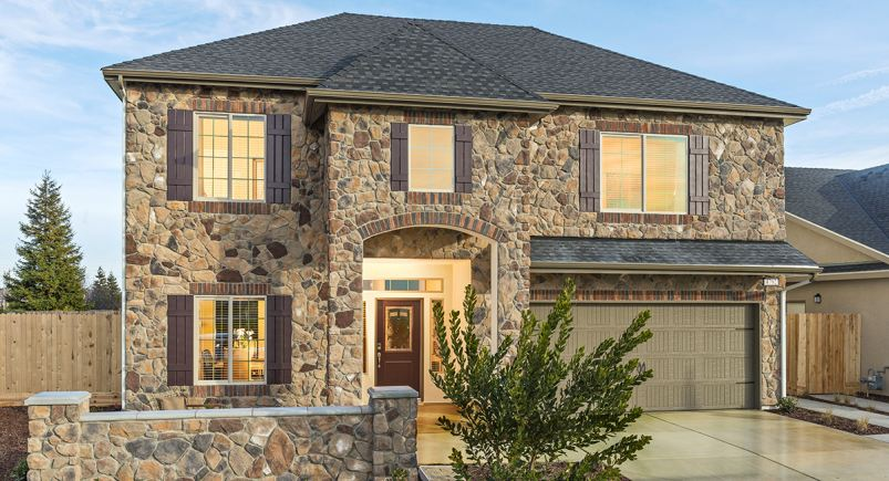 Chateau at Highlands begins preselling new Lennar homes today.