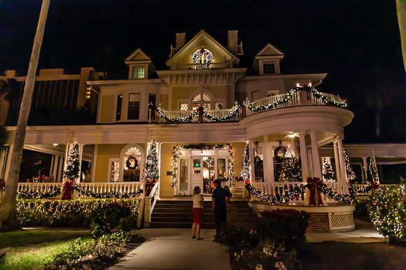 Holiday House Web