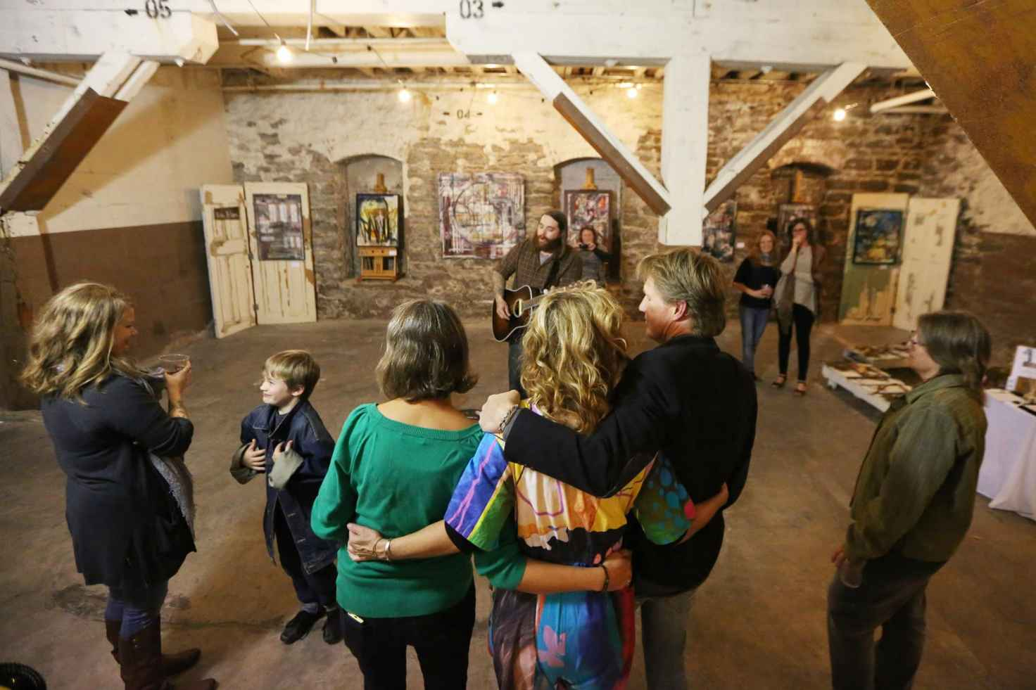 Fox Cities community gathers to celebrate local art. (Photo by Larry Radloff.)