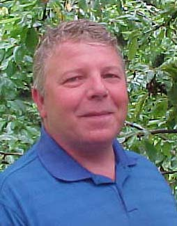 Larry Beach, Bridgeport Fittings' CEU instructor and member of 'Team Done That'