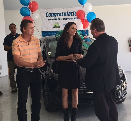 Jennifer Overfield gets keys to Ford Fiesta
