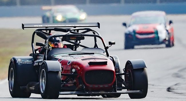 Circuit Hero 600kms Pete Olson Caterham ZIC