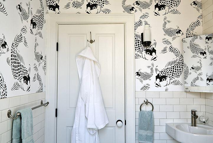 Black & White Koi Fish Streamlines a Bathroom Elegantly