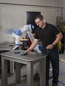 HC10 Robot Works Safely Next to a Human Coworker