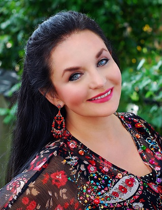 Crystal gayle at adelphi university on may 13 at 8 00 p m - Garden city ny distribution center ...