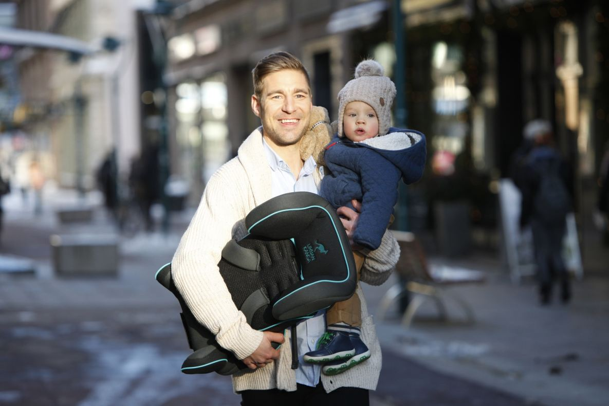 new urban kanga portable car seat targets urban parents. Black Bedroom Furniture Sets. Home Design Ideas