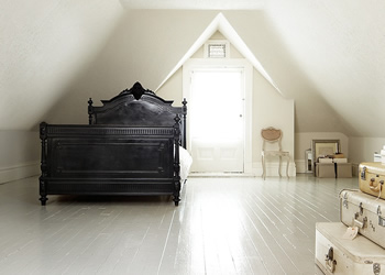 PerfectPainter.ca - Call on (416) 477-1400 for Hardwood Floor Painting Services