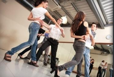 11906143-dancing4fun-lesson-pic - Copy