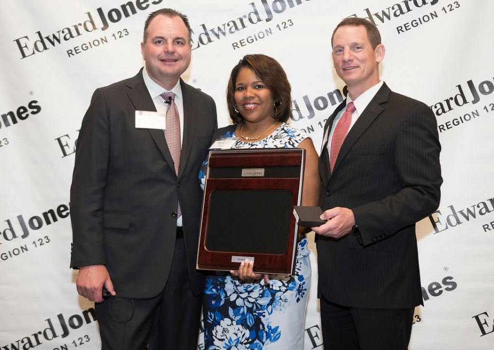Edward Jones Financial Advisor and local Kiwanian Rhonda Jones Wins Award