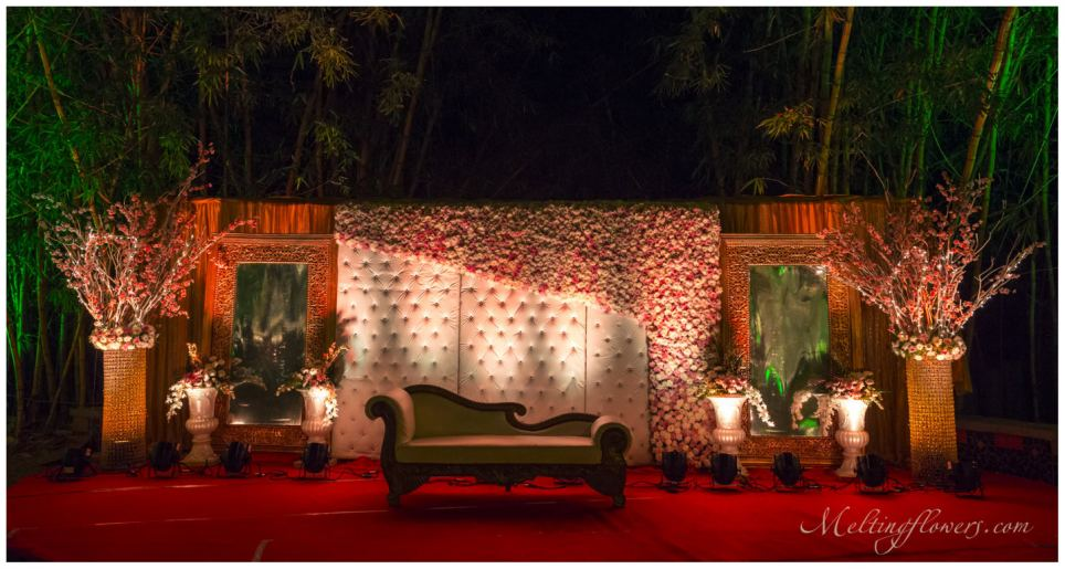 Wedding Stage Decoration Items In Bangalore : Vary your event or theme wedding decorations with changing