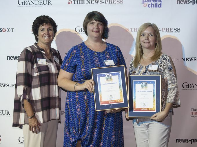 Kendra Weaver (center) & Michelle Slobodzian (rt) receive Best of SWFL Awards