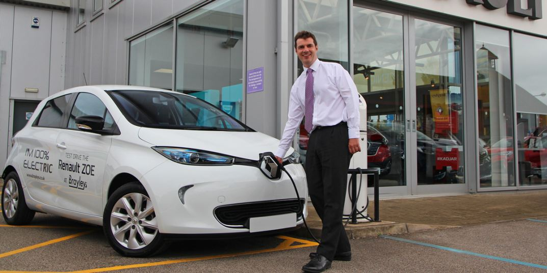 Richard Lodge is the General Manager of Brayley Renault in Milton Keynes.