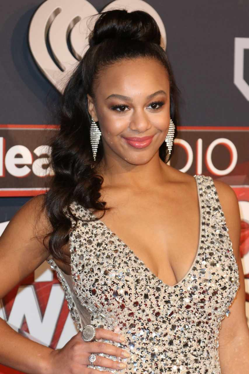 nia-sioux-iheartradio-music-awards-in-los-angeles-