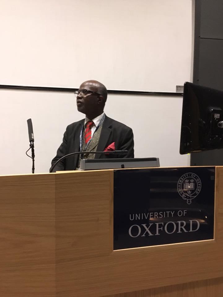 Professor Chris Imafidon addressing inner-city kids at Oxford University