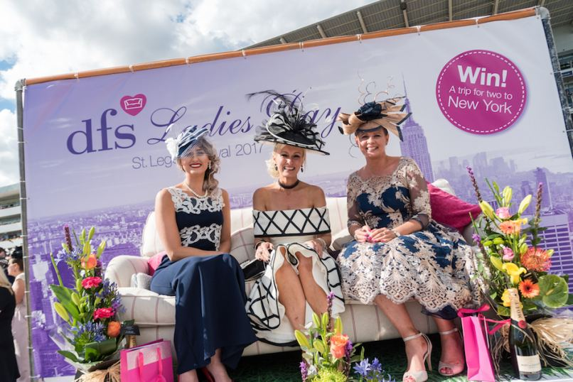 Ladies Day at Doncaster St. Leger_lr.
