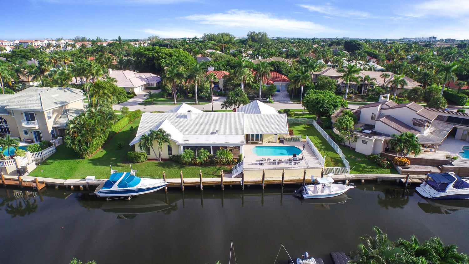 800 NE Orchid Bay Dr, Boca Raton, FL 33487 - 145 feet on Deep Water