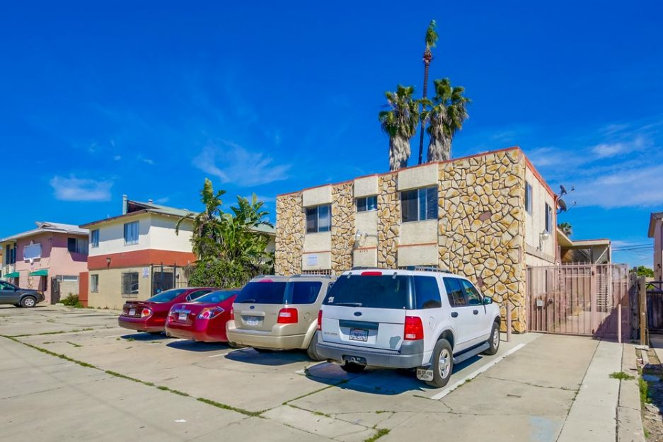 Mid city central san diego apartment building sold by san diego apartment brokerage firm for 1 - Apartment buildings san diego ...