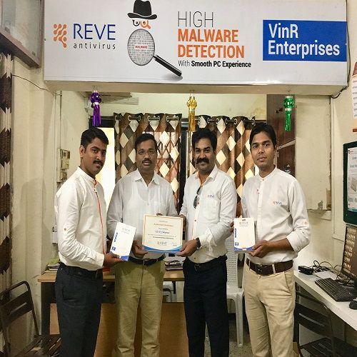 REVE Antivirus Sales Head Sushant Pawar with VinR Enterprise Team