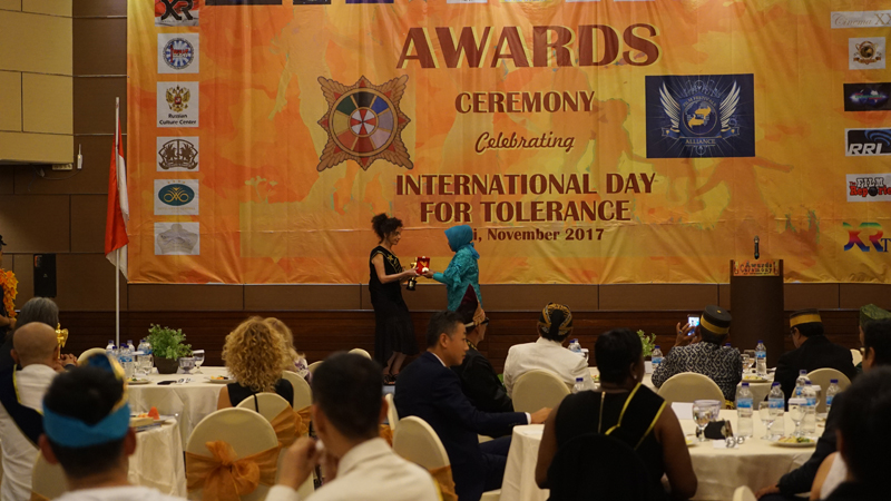 Lucia Barata director of Dancing Wheels received awards for her film