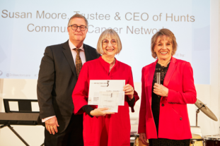 Dame Esther Rantzen awarding Susan Moore, HCCN, 3rd Sector Care Awards