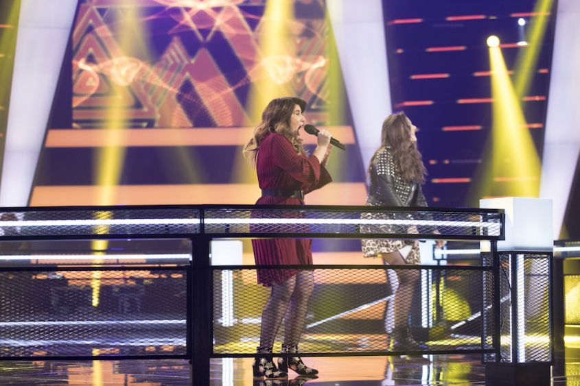 """Jaclyn rocks her battle song on """"The Voice of Holland."""""""