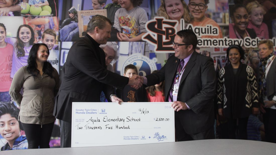Greater Twin Cities Honda Dealers Donate $2,500 To The Aquila Elementary  School.