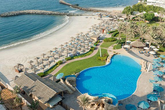 Coral-Beach-Resort-Sharjah---Pool