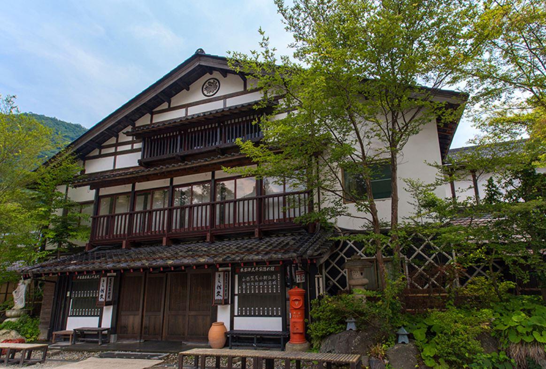 Honke Bankyu Ryokan Exterior