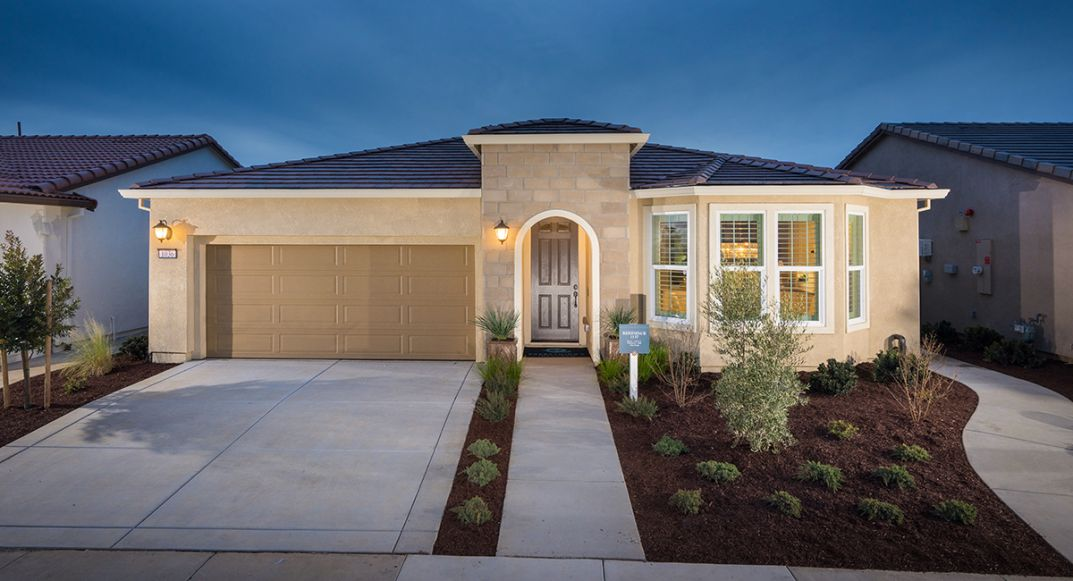 Lennar celebrated a busy and successful Grand Opening for Reflections last week.